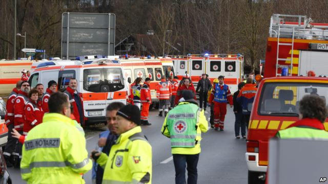 Germany: At least four killed in train collision
