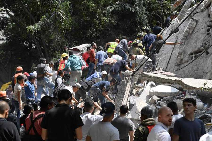 7.1 magnitude earthquake in Mexico killed at least 139 people